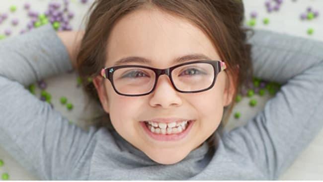 Die richtige Brillengröße für Kinder