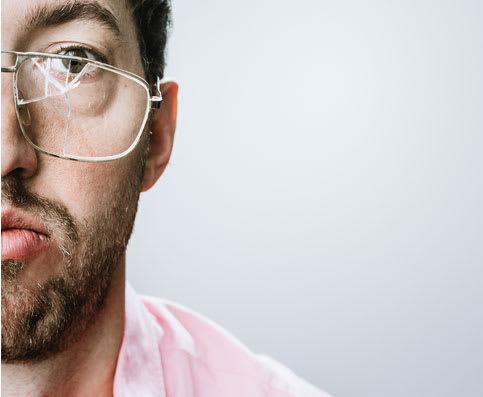 Die Brillenversicherung greift bei Verlust, Diebstahl oder Beschädigung der Brille