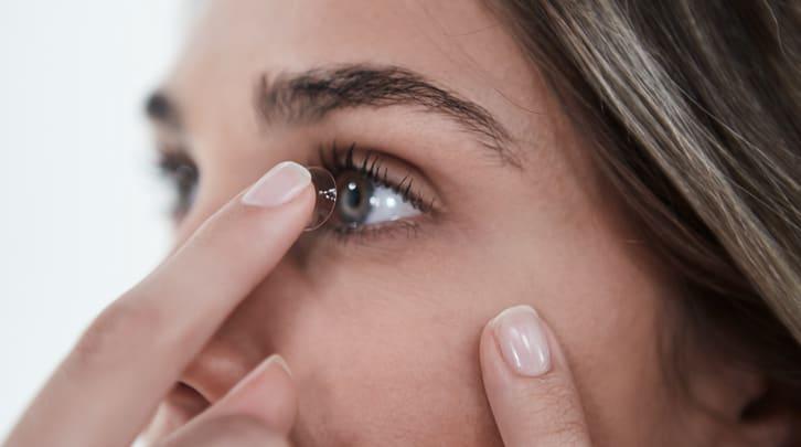 Kontaktlinsen-im-Urlaub