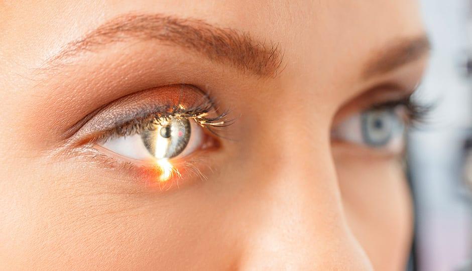 Augenlasern 940x540 Bild Text 4