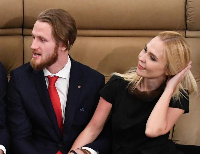 «А талия какая тонкая!»: Пелагея вслед за Еленой Степаненко похорошела после развода