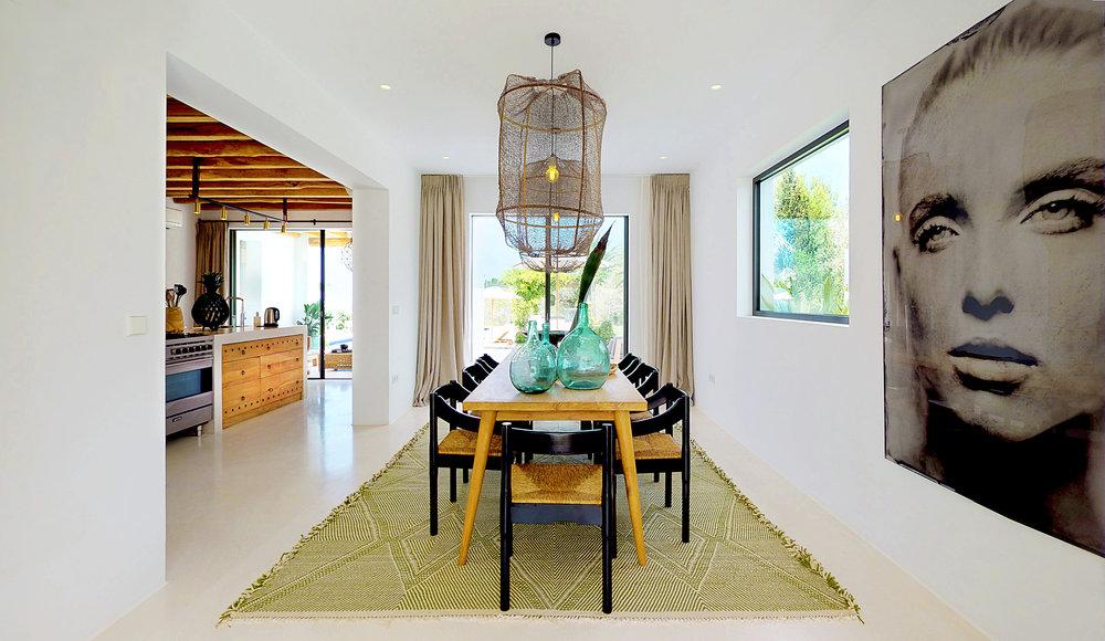 VILLA-SARINA-Dining-Room