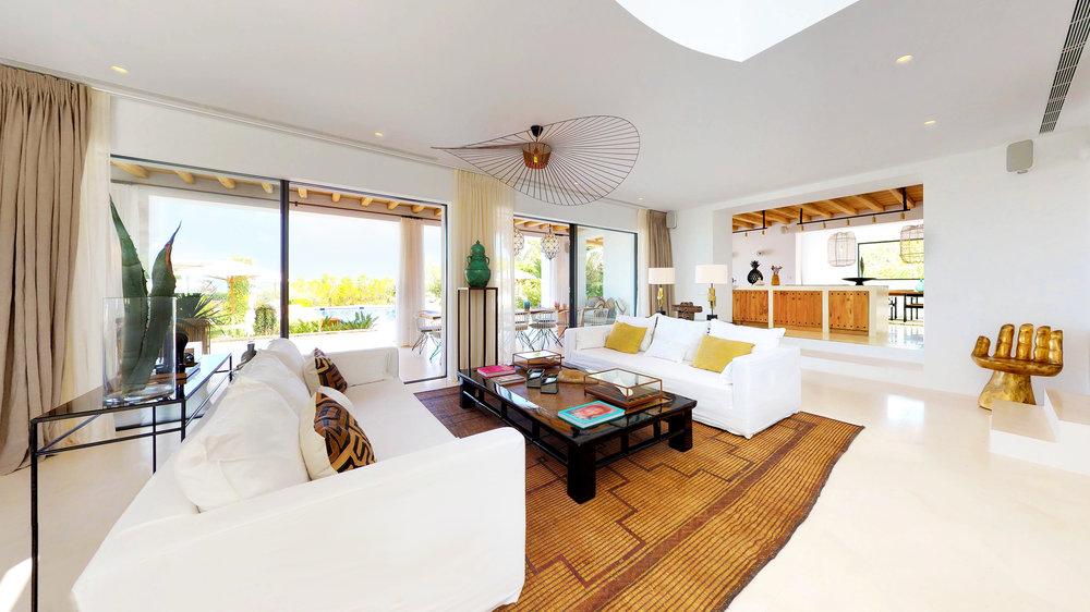 VILLA-SARINA-Living-Room2_Retouched