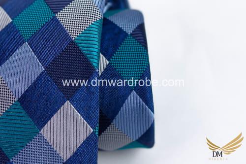 Mixed Color Tie