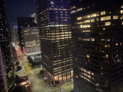 A downtown Houston hotel reimagined –– plus 5 things to do nearby