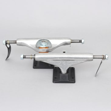 Independent 139 Stage 11 Standard Hollow Trucks Silver / Ano Black