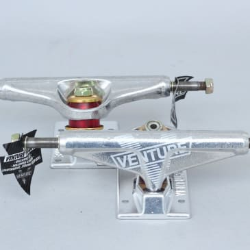 Venture 5.25 Low V Hollow Light Trucks Polished (Pair)