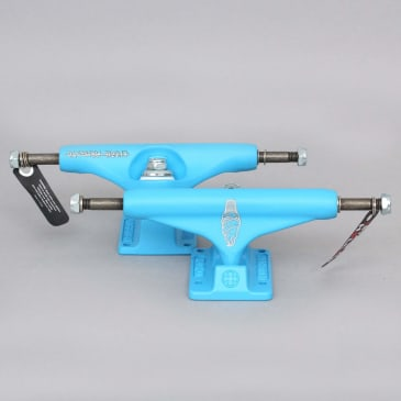 Independent 144 Stage 11 Lizzie Armanto Cross Hollow Skateboard Trucks Light Blue