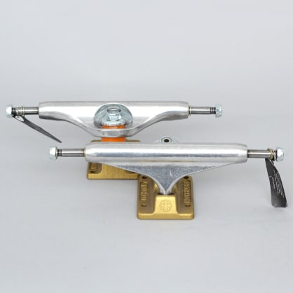 Independent 139 Stage 11 Anodized Standard Hollow Trucks Silver / Gold