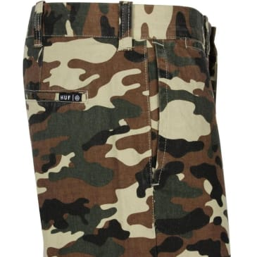 HUF WORK CHINO SHORTS - CAMO