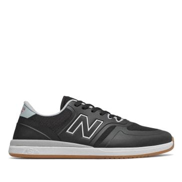 New Balance Numeric 420 Skate Shoe - White / Black