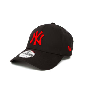 New Era League Essential New York Yankees 9FORTY Cap - Black/Red