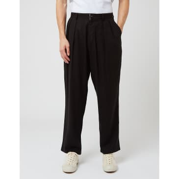 Uniform Bridge Two Tuck Linen Pants - Black