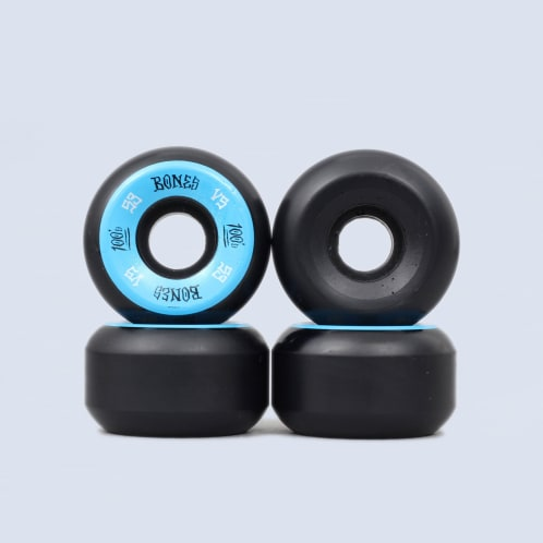 Bones 53mm 100's V5 Wheels Black / Blue