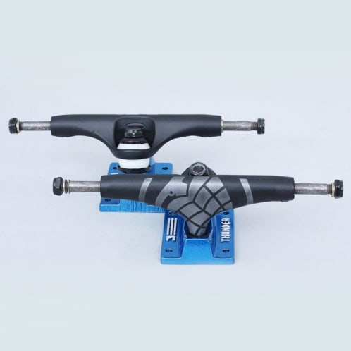 Thunder 147 Elektra Strike Trucks Black / Blue (Pair)