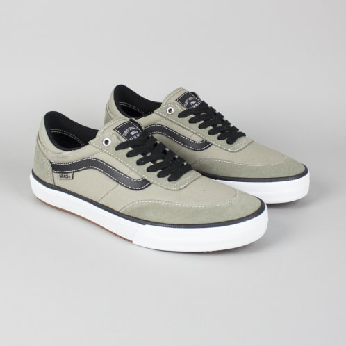 8ecd0c82db9625 Vans Gilbert Crockett 2 Pro Shoes (Covert) Laurel Oak True White