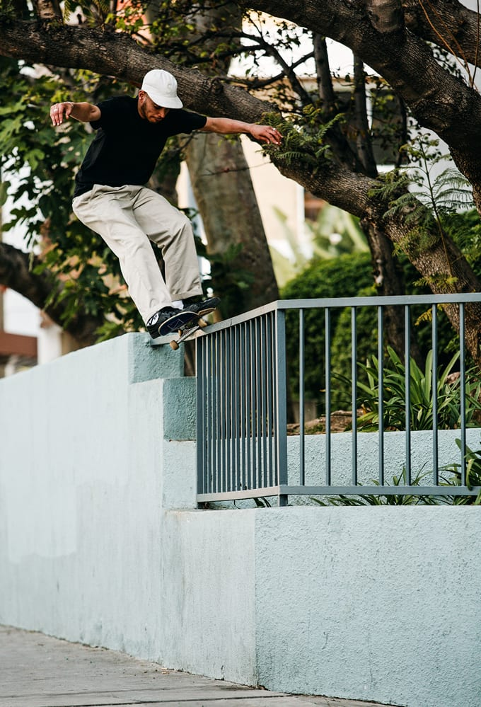 Kyron Davis Ride on 50-50. Los Angeles. Photo Joel Peck