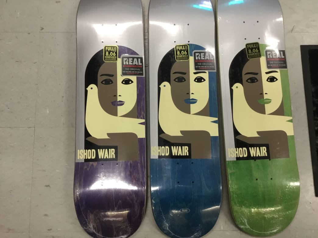 Real Wair peace deck - 8.06 | Deck by Real Skateboards 1