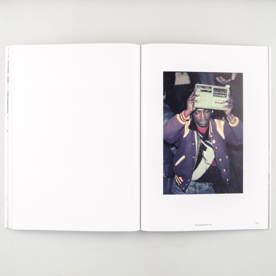 Mouvement   Book by LO/A 7
