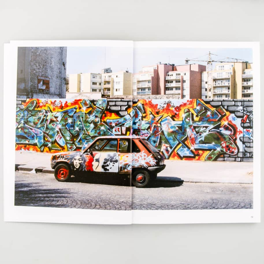 Mouvement   Book by LO/A 2