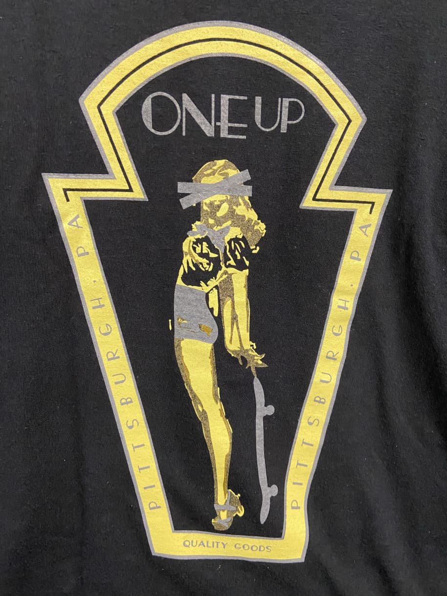 One Up Key Stone Pin Up L/S | Longsleeve by OneUp Skateshop 1