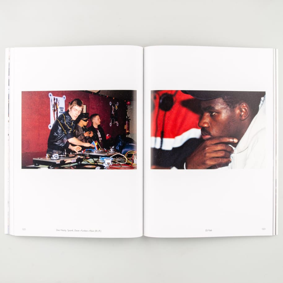 Mouvement   Book by LO/A 6