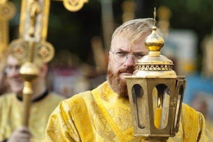 Милонов сообщил об «исцелении» Депардье клюквой и брусникой