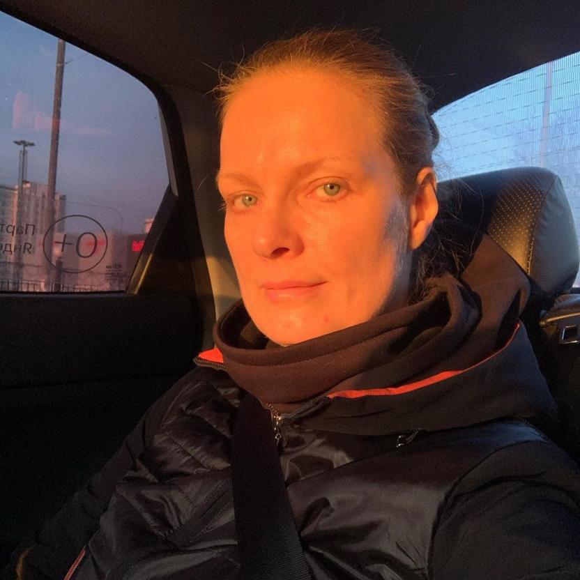 Отмечающая 50-летие Ольга Копосова прошла через измены мужа, смерть близких и борьбу с раком