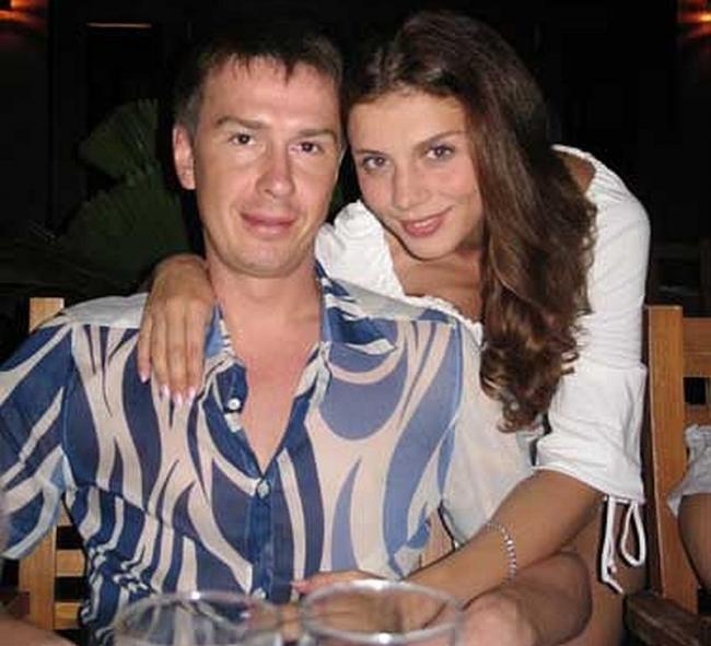 Беременной Седоковой пришлось вытаскивать мужа-изменщика из стриптиз-клуба