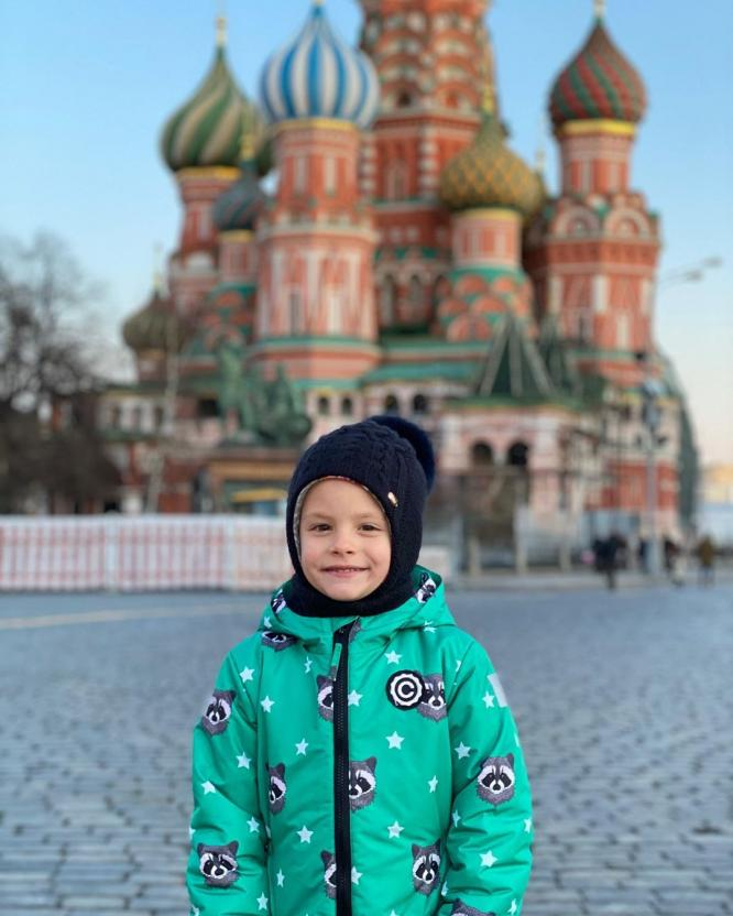 """Мать Тимати Симону Юнусову обвинили в плохом воспитании внучки за видео с """"краденной"""" тележкой из магазина"""