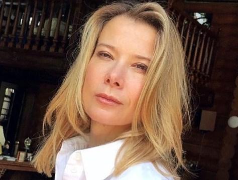 «Мы запойные»: Высоцкая рассказала о кулинарных пристрастиях с Кончаловским на самоизоляции