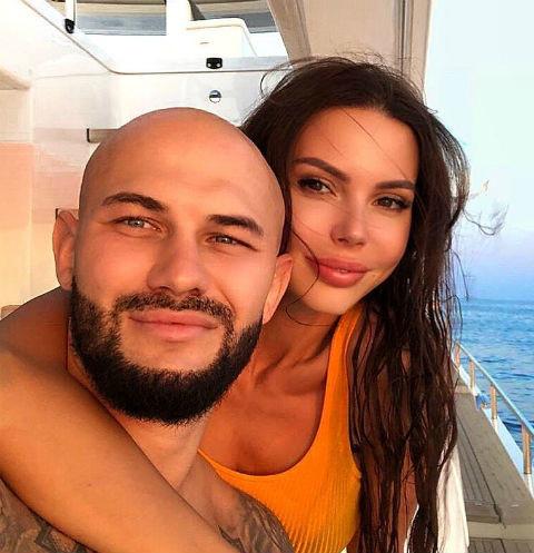 «Я обязательно буду счастливой»: Оксана Самойлова о своем состоянии после заявления о разводе