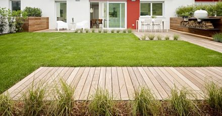 11 lựa chọn phù hợp để thi công lát gạch sân vườn đẹp mắt