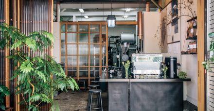 Cải tạo nhà cũ thành quán cafe phong cách Nhật Bản