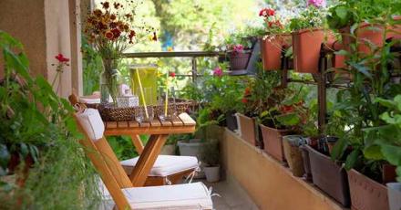 5 phụ kiện trang trí ban công chung cư đẹp không thể rời mắt