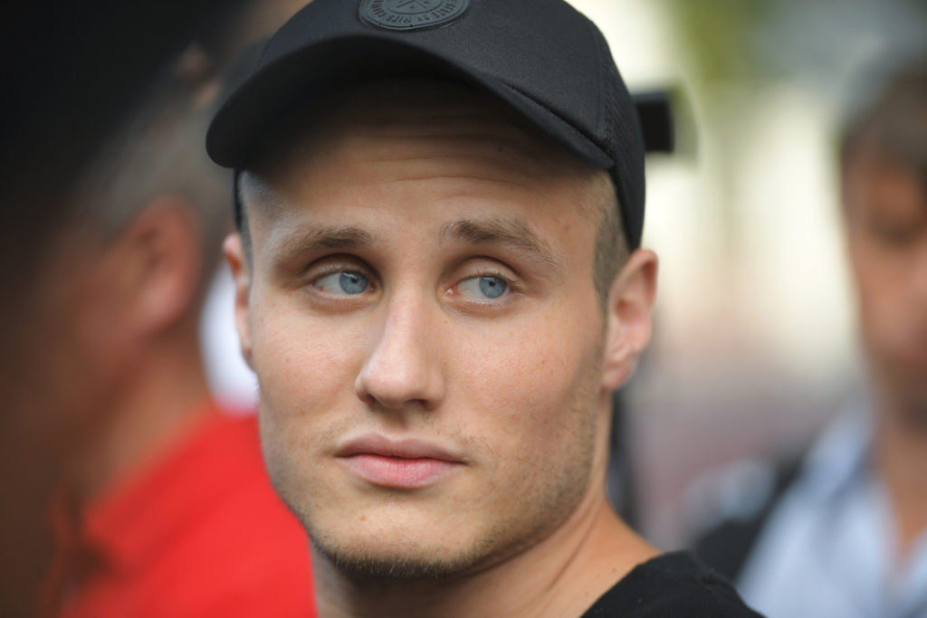 #ЯВПОМОЩЬ: благотворительная акция актера Никиты Кукушкина для помощи пожилым