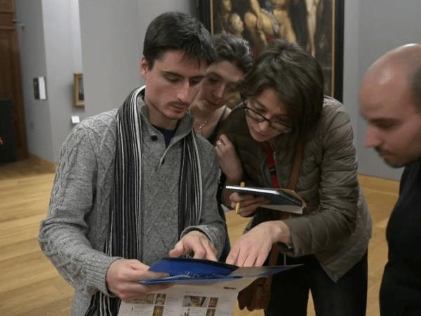 team-building-teambuilding-chasse-au-tresor-au-musee-du-louvre-entre-collegues