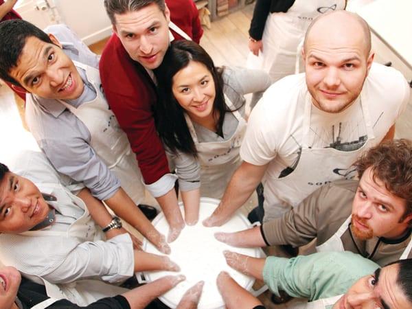 team-building-liberez-votre-creativite-avec-l-art-et-la-matiere