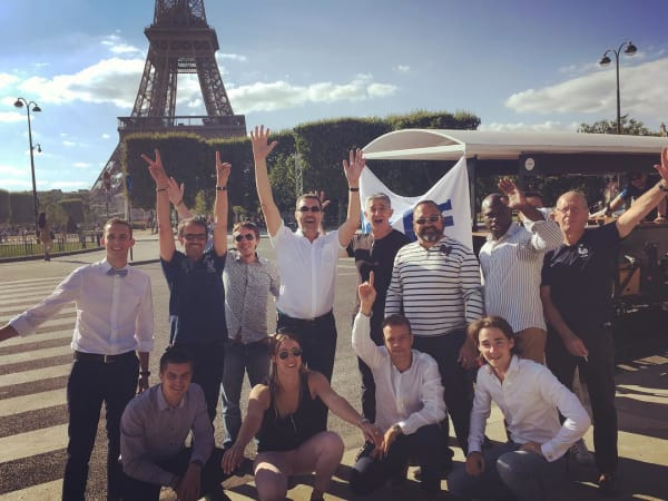 Team-Building-tour-en-beer-bike-paris