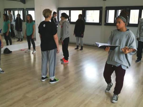 Team-Building-atelier-danse-lacher-prise-entreprise