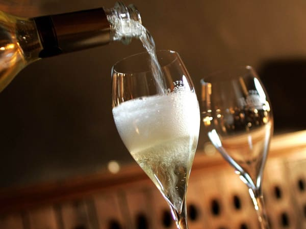 team-building-degustation-de-champagne-et-dejeuner-d-equipe-a-paris