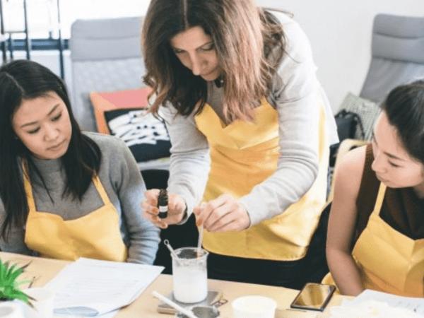 team-building-team-building-creation-de-produits-cosmetiques-a-paris-en-entreprise