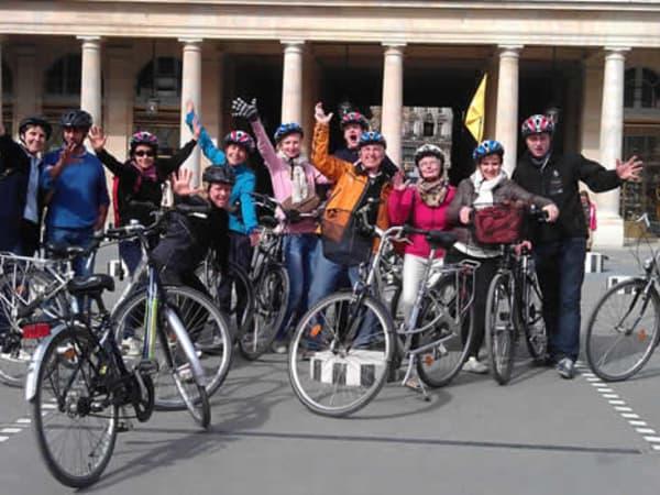 team-building-team-building-rallye-a-velo-a-paris-avec-son-equipe