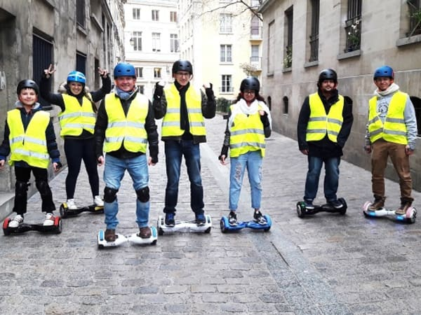 team-building-balade-en-hoverboard-a-paris-team-building-a-decouvrir