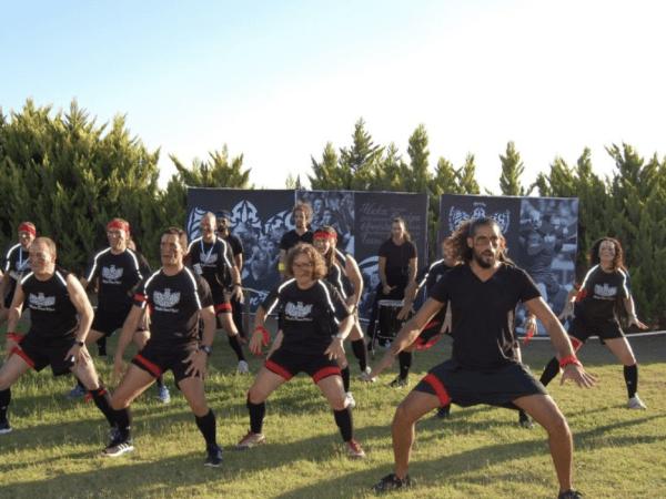 team-building-team-building-haka-a-paris-en-entreprise-une-danse-entre-collegues