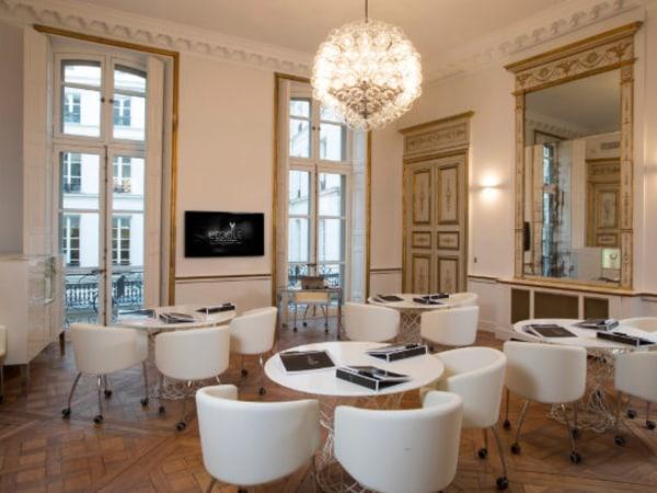 Team-Building-Bijoux-et-joaillerie-initiez-vous-a-la-gemmologie