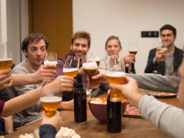 team-building-Atelier-de-Degustation-de-biere-et-de-mets-pour-entreprise-a-Paris
