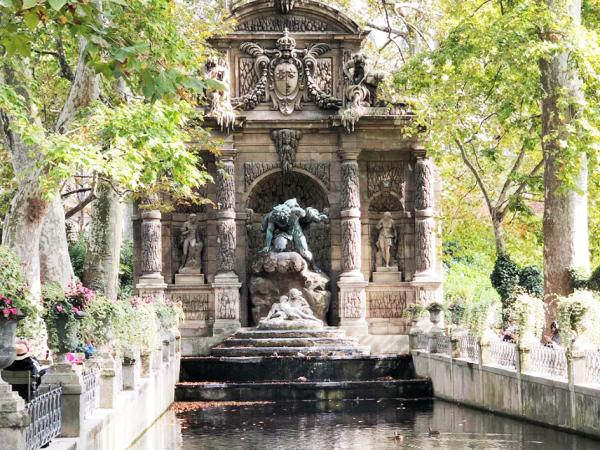 Team-Building-Activite-en-exterieur-entreprise-teambuilding-dans-un-jardin-parisien