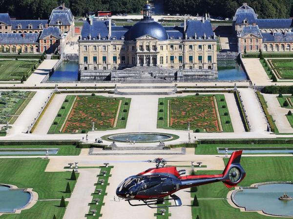 team-building-Decouvrez-Paris-en-helicoptere-lors-dun-team-building-insolite