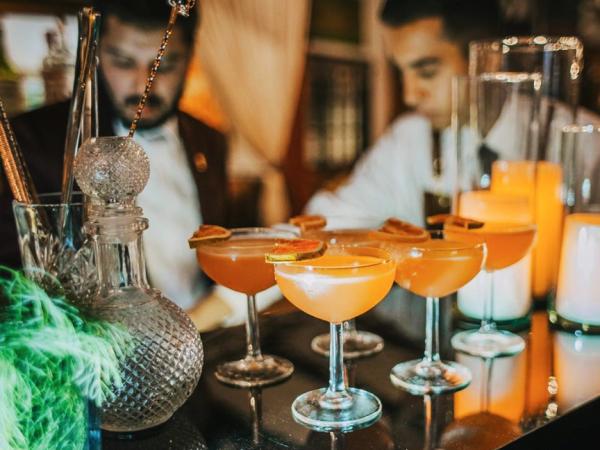 animation-La-creme-du-cocktail-a-votre-service-pour-soiree-entreprise-ou-seminaire-a-paris